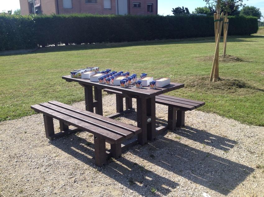 Inaugurazione degli arredi ecologici presso giardino di for Arredi ecologici
